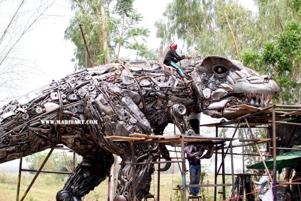 life size dinosaur scrap metal sculpture