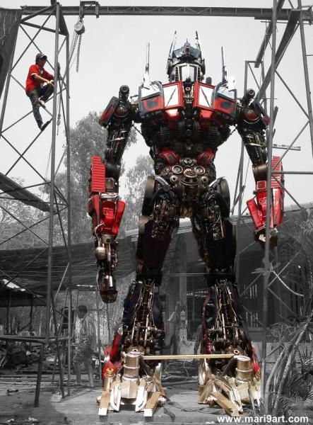 22ft scrap metal sculpture transformer movie inspired